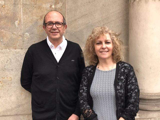 Els escriptors Maria Carme Roca i Jaume Cela