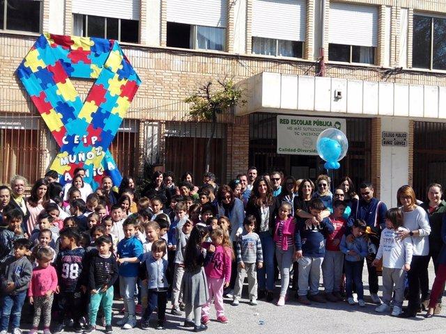 Acto en el Muñoz Garnica por el Día Mundial de Concienciación sobre Autismo.