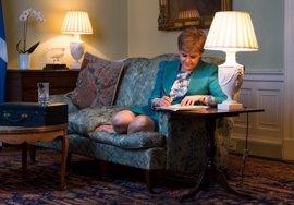El Gobierno británico recibe la carta con la que Escocia pide un segundo referéndum