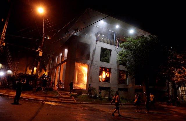 Incendio en el Congreso de Paraguay