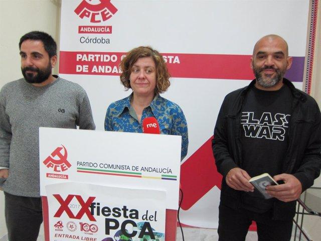 Mariscal (dcha.), con Alba Doblas y Salvador Fuentes