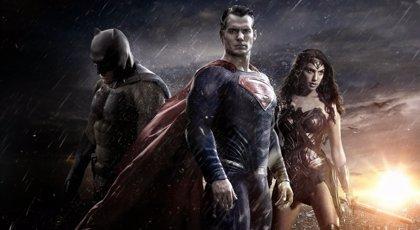 Superman, junto al resto de la Liga de la Justicia en los nuevos concept-arts de la película