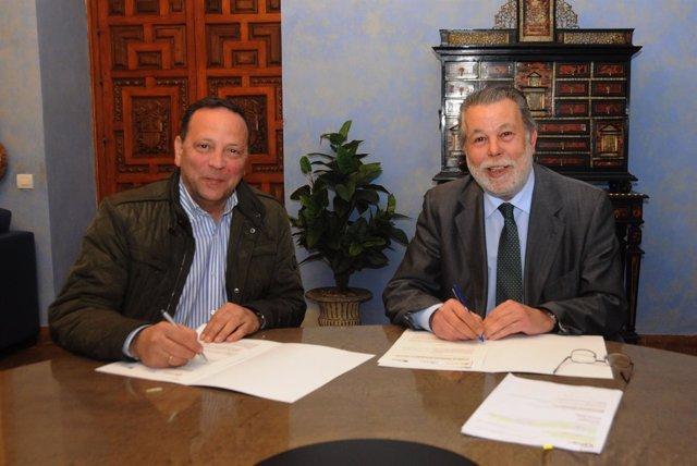 Firma de convenio entre Emproacsa y Facua