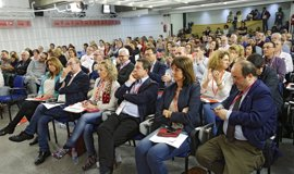 """Susana Díaz se comprometerá """"al máximo"""" para recibir avales para las primarias a liderar el PSOE"""