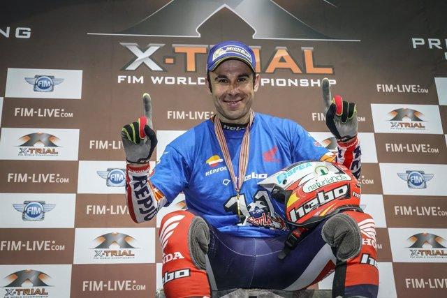 El piloto español trial Toni Bou