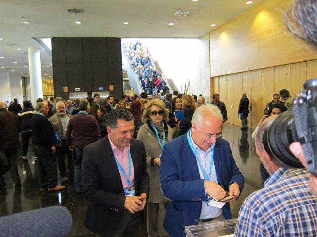 Ceniceros vota en el Congreso Regional PP