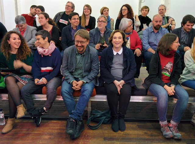 Presentación de la candidatura unitaria para dirigir los 'comuns'