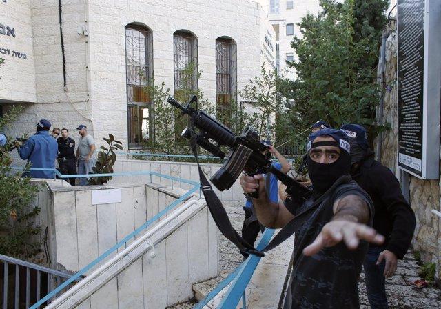 Policía israelí pide no ser fotografiado.