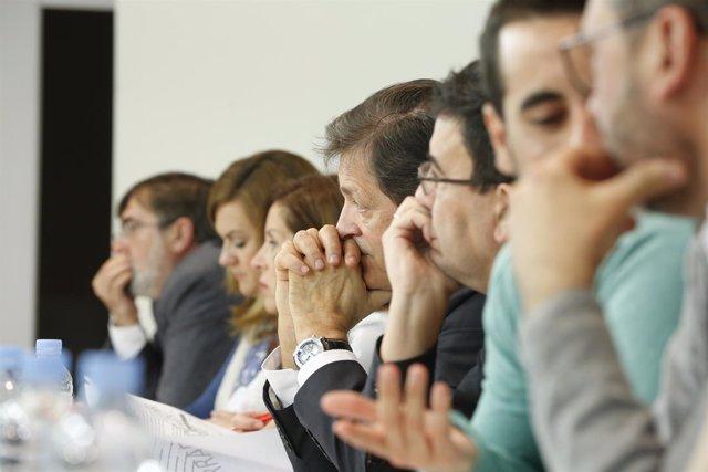 Javier Fernánde y la Gestora en el Comité Federal del PSOE