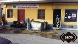 Un incendio causa daños en un bajo comercial en desuso en Lugones