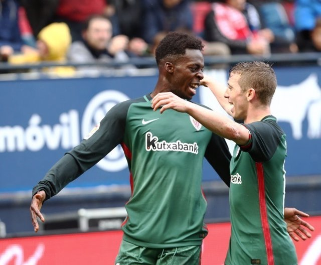 Williams y Muniain celebran uno de los goles contra Osasuna