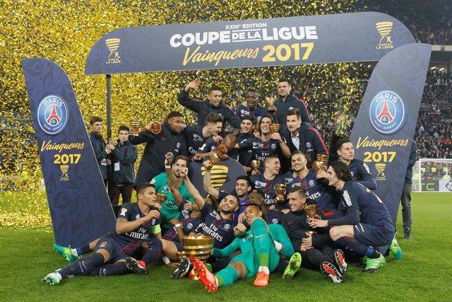 El PSG celebra su título en la Copa de la Liga francesa