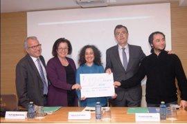 El Colegio de Médicos dona los 4.522 euros de la última fiesta infantil de Navidad a niños refugiados