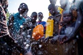 La falta de agua potable, un riesgo añadido para los niños en los países amenazados por hambruna