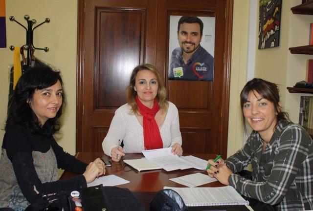 Reunión de la concejal de IU en Sevilla Eva Oliva con Info Circos