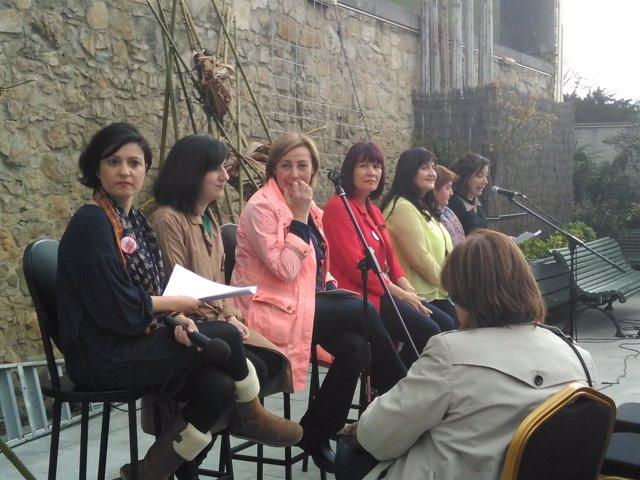 Acto de Micaela Navarro en Avilés en apoyo a Susana Díaz