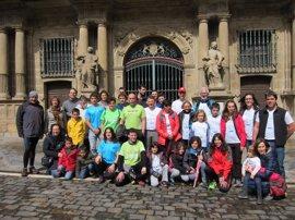 Participantes de la VII Oxfam Intermón Trailwalker se reúnen en Pamplona
