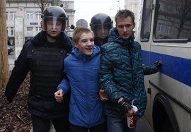 Al menos treinta detenidos en Moscú durante la protesta silenciosa de hoy contra el Kremlin