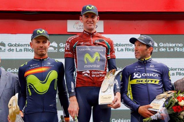 Sutherland en el podio con Albasini y Rojas