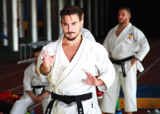 Damián Quintero karate