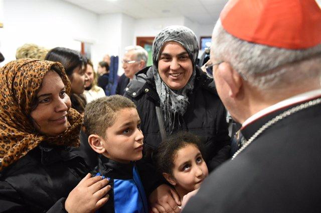 El cardenal Osoro, en su visita a la Obra Social Familiar Álvaro del Portillo