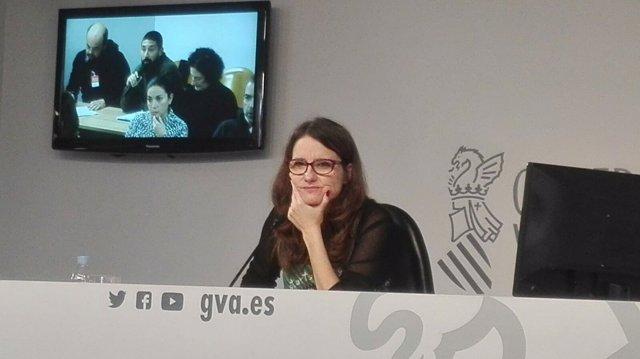 Mónica Oltra en rueda de prensa