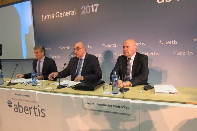 Francisco Reynés, Salvador Alemany, Juan Hernández Puértolas
