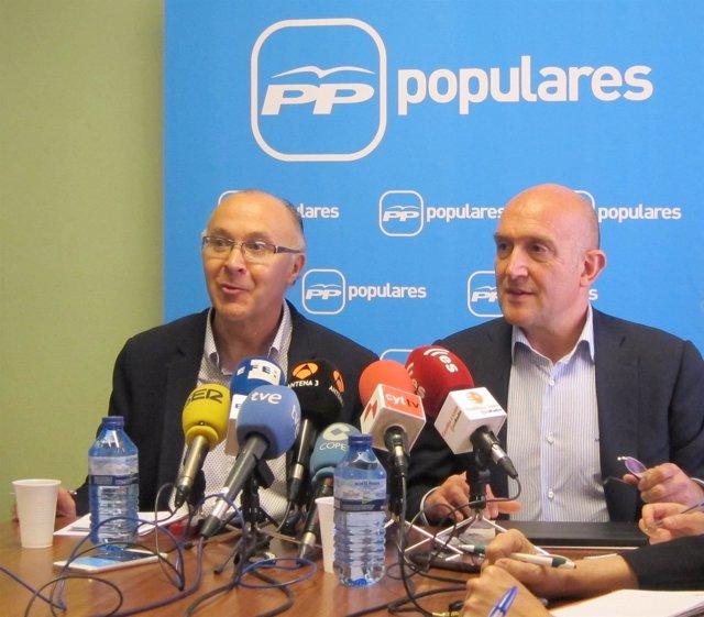 Ramiro Ruiz Medrano junto a Jesús Julio Carnero