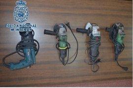 Detenidos cuatro jovenes de 17 años por robar herramientas del Servicio de Obras del Ayuntamiento de Badajoz