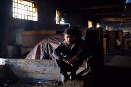 """Menores no acompañados en los Balcanes, """"invisibles"""" y en riesgo de sufrir abusos"""