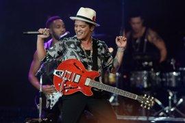 De CeeLo Green y Adam Lambert a Adele y Alicia Keys: 10 canciones que no sabías que son obra de Bruno Mars