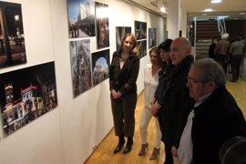 Valladolid y las dos Medinas buscan mejorar su promoción exterior con la muestra fotográfica y un folleto