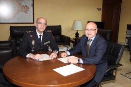 Gómez Iglesias recibe al nuevo comisario jefe provincial del CNP en Valladolid
