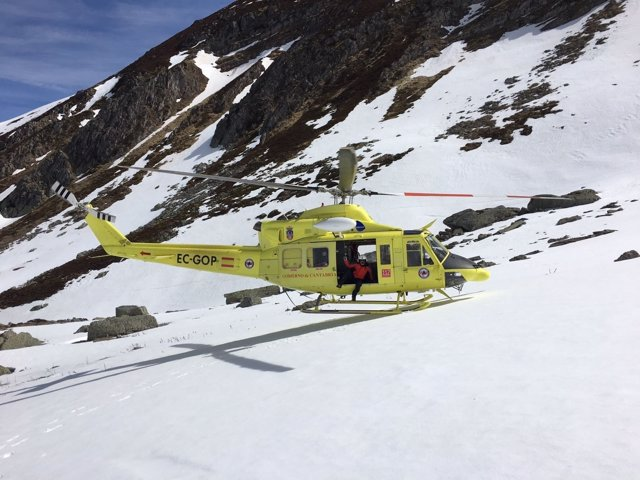 Rescate en helicóptero en el Pico Tres Mares