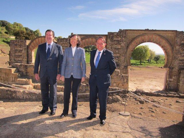 Borja Prado, Rosa Aguilar y Antonio Pascual en Medina Azahara