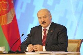 """Lukashenko insta a """"estar preparados para todo"""" tras la explosión en el metro de San Petersburgo"""
