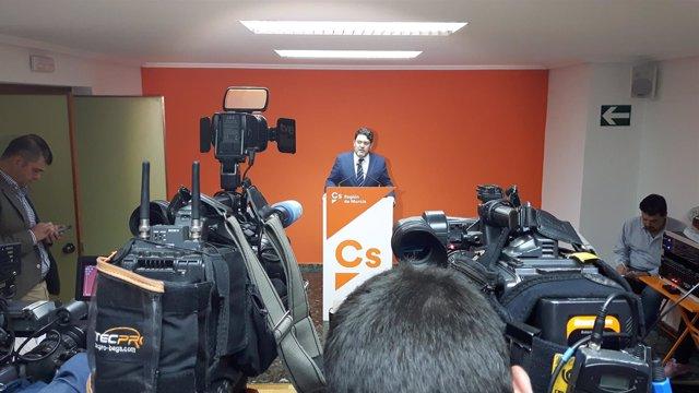 Imagen de la rueda de prensa de Miguel Sánchez