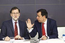 """Rajoy pide unidad al PP y que se vuelque en preparar """"a tope"""" las elecciones de 2019"""