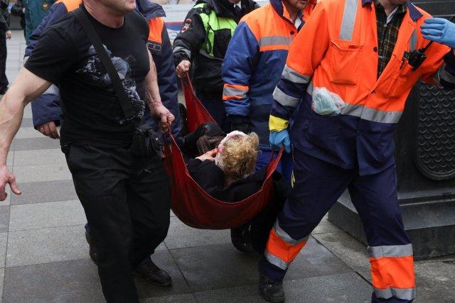 Un herido trasladado tras la explosión en el metro de San Petersburgo (Rusia)