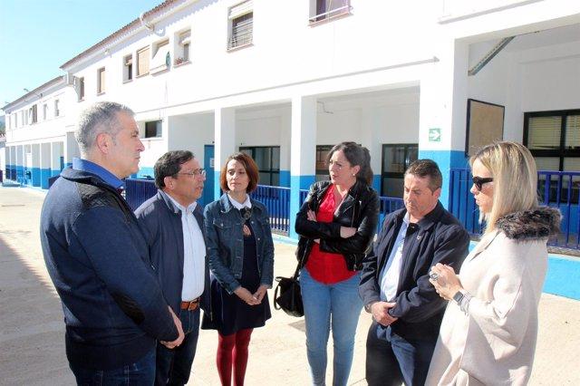Patricia Alba visita centros educativos en Villanueva de Algaidas