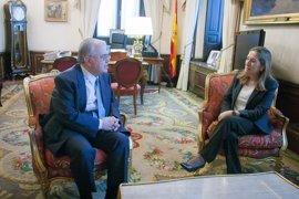 Primera reunión de Ana Pastor con el nuevo presidente del TC