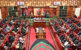 Activistas kenianos aplauden que la Justicia quiera imponer una cuota mínima de mujeres en el Parlamento