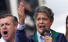 Lasso denuncia fraude electoral ante los observadores de la OEA