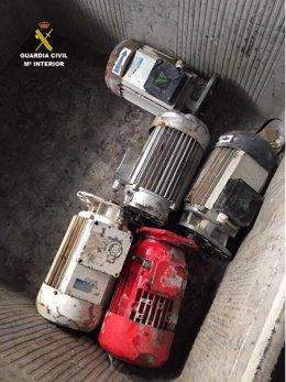 Motores robados por los detenidos.