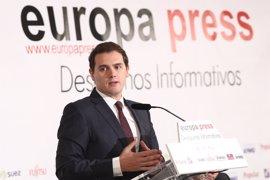 """Rivera, dispuesto a hablar con Podemos sobre Cataluña para que Arrimadas lidere un Gobierno de """"consenso"""""""