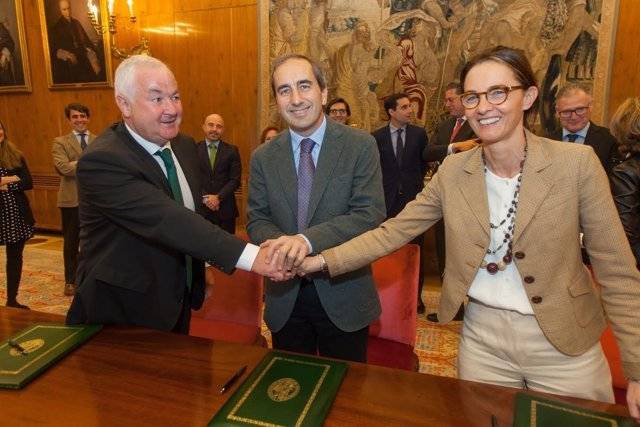 Ignacio Terés Los Arcos, Alfonso Sánchez-Tabernero Y Cristina Muñoz