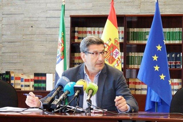 Javier Luna, datos de empleo