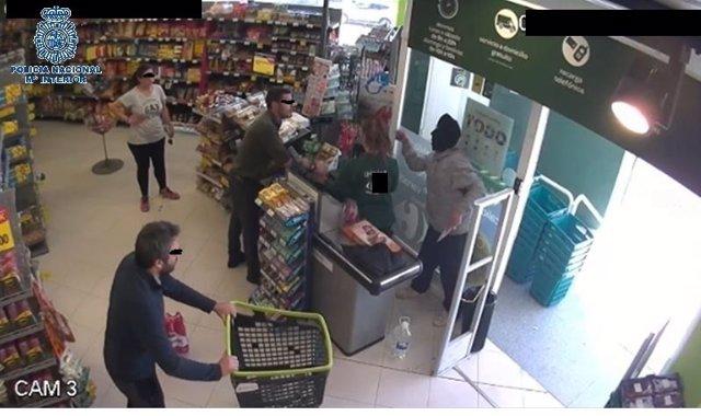 """Rtdo. Nota De Prensa Y Fotos """"Detenido Un Hombre Tras Cometer Un Robo Con Violen"""