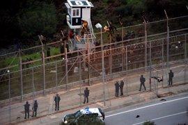 Interior estudia usar un vehículo con cañón de agua para el control fronterizo en Ceuta