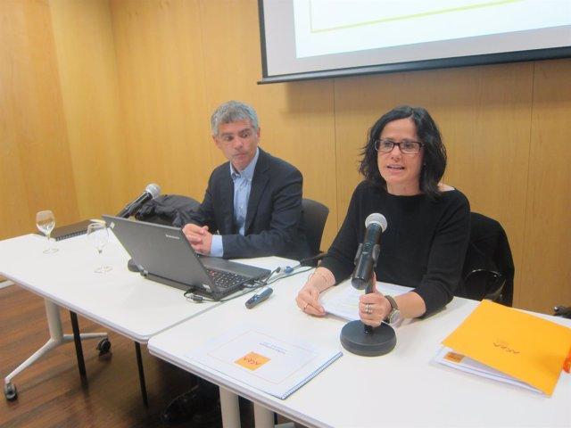 El vocal de junta de ACRA J.Vilardell y la presidenta de ACRA C.Pascual
